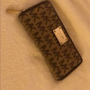 Gently Used Michael Kor Signature Wallet